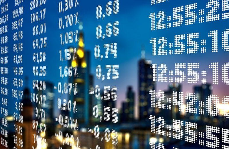 رفع تقييم ديملر من قبل UBS والأسواق تترقب بيانات العمل الأمريكية