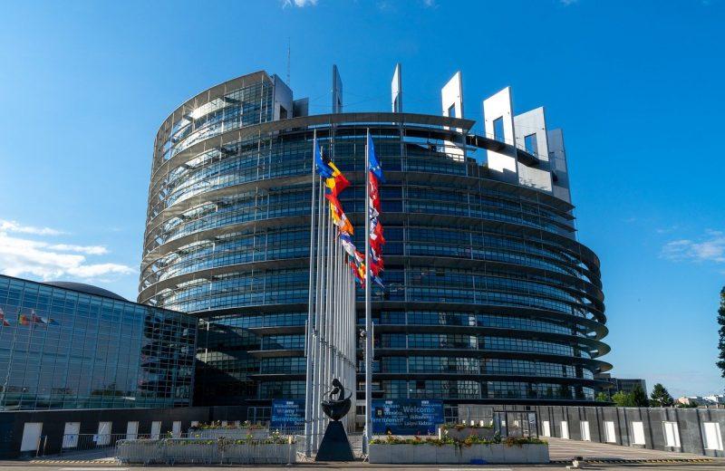 انتعاش النشاط التجاري في منطقة اليورو في يوليو، لكن هل زال الخطر؟