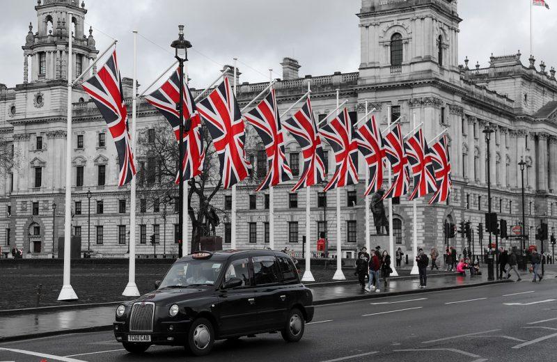عاجل: أوبر تكسب معركتها القانونية وتستعيد رخصتها للعمل في لندن
