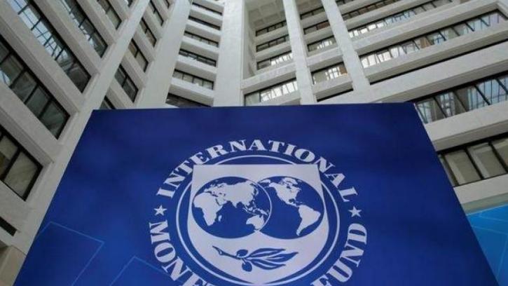 صندوق النقد الدولي يحذر من الأزمة ويحسن من التوقعات