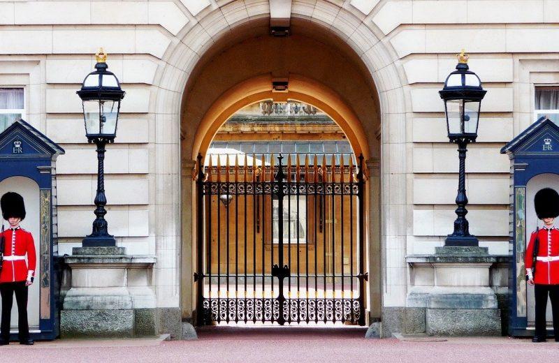 """قالت حكومة المملكة المتحدة في بيان يوم الأربعاء """"من المحتمل تمامًا ألا تنجح المفاوضات"""". تستأنف محادثات التجارة بشأن خروج بريطانيا من الاتحاد الأوروبي في لندن يوم الخميس بعد وصول المفاوضات إلى طريق مسدود الأسبوع الماضي."""