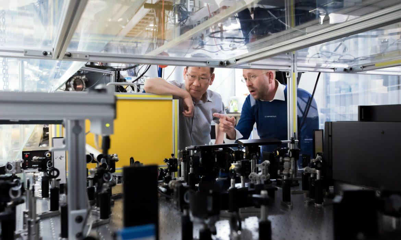 ارتفع إنتاج المصانع في الصين أكثر من المتوقع، ومبيعات التجزئة تستمر في النمو