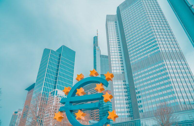 المركزي الأوروبي يحذر من أرباح بنوك ضعيفة طوال 2021