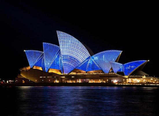 أستراليا خرجت من الركود، ولكنها في خطر حرب تجارية مع الصين