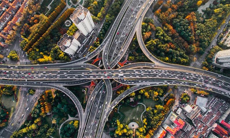 خطة البنية التحتية جيدة للدولار وسلبية على الذهب