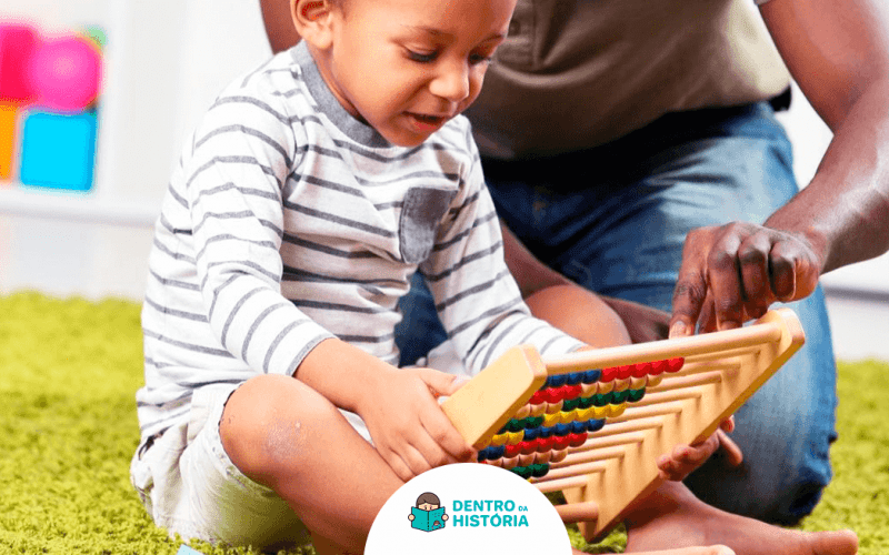 pai incentiva filho a aprender nas férias