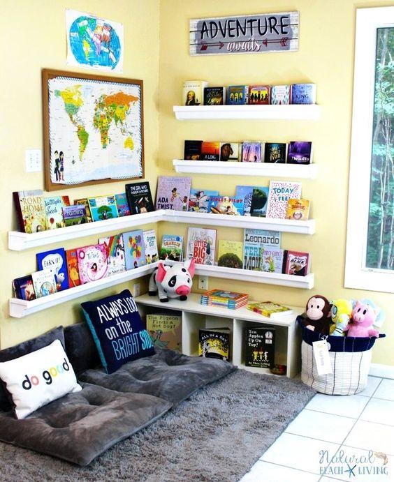 Biblioteca em casa para crianças