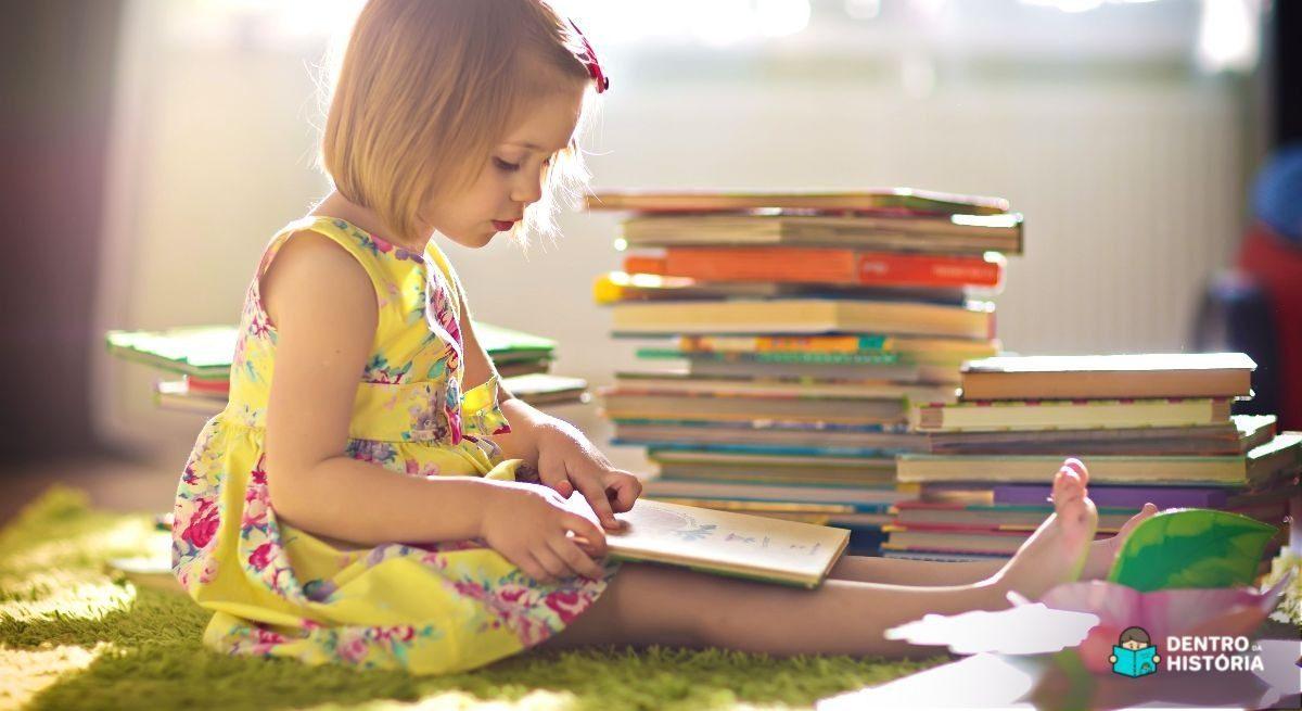 Biblioteca em casa para criança