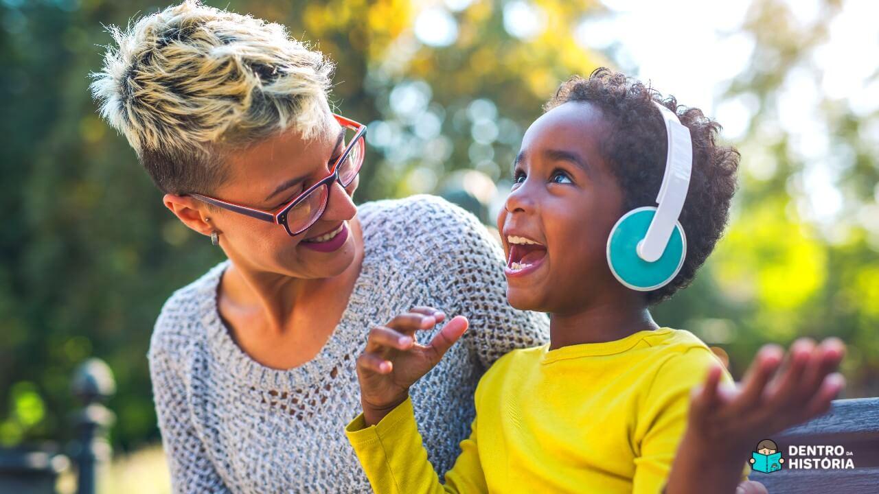 Podcast Dentro da História leva as crianças para aventuras sonoras