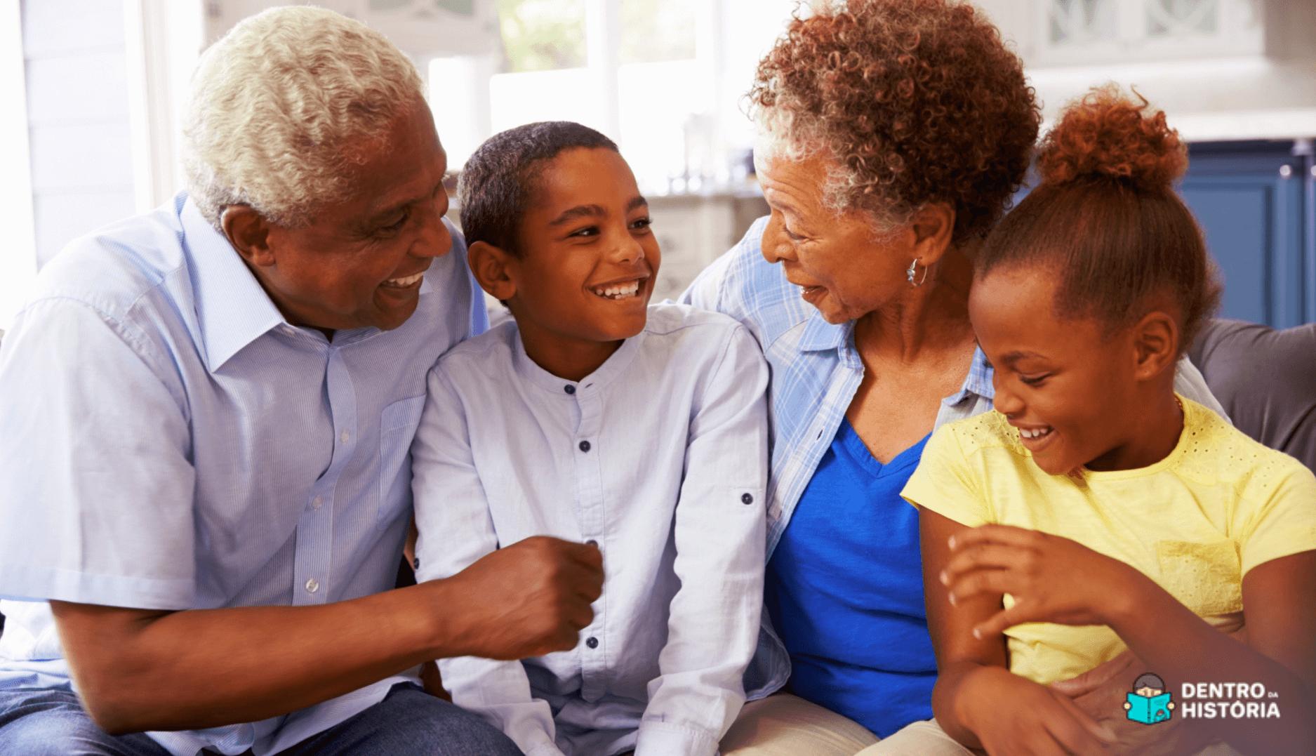 Momento entre avós e netos