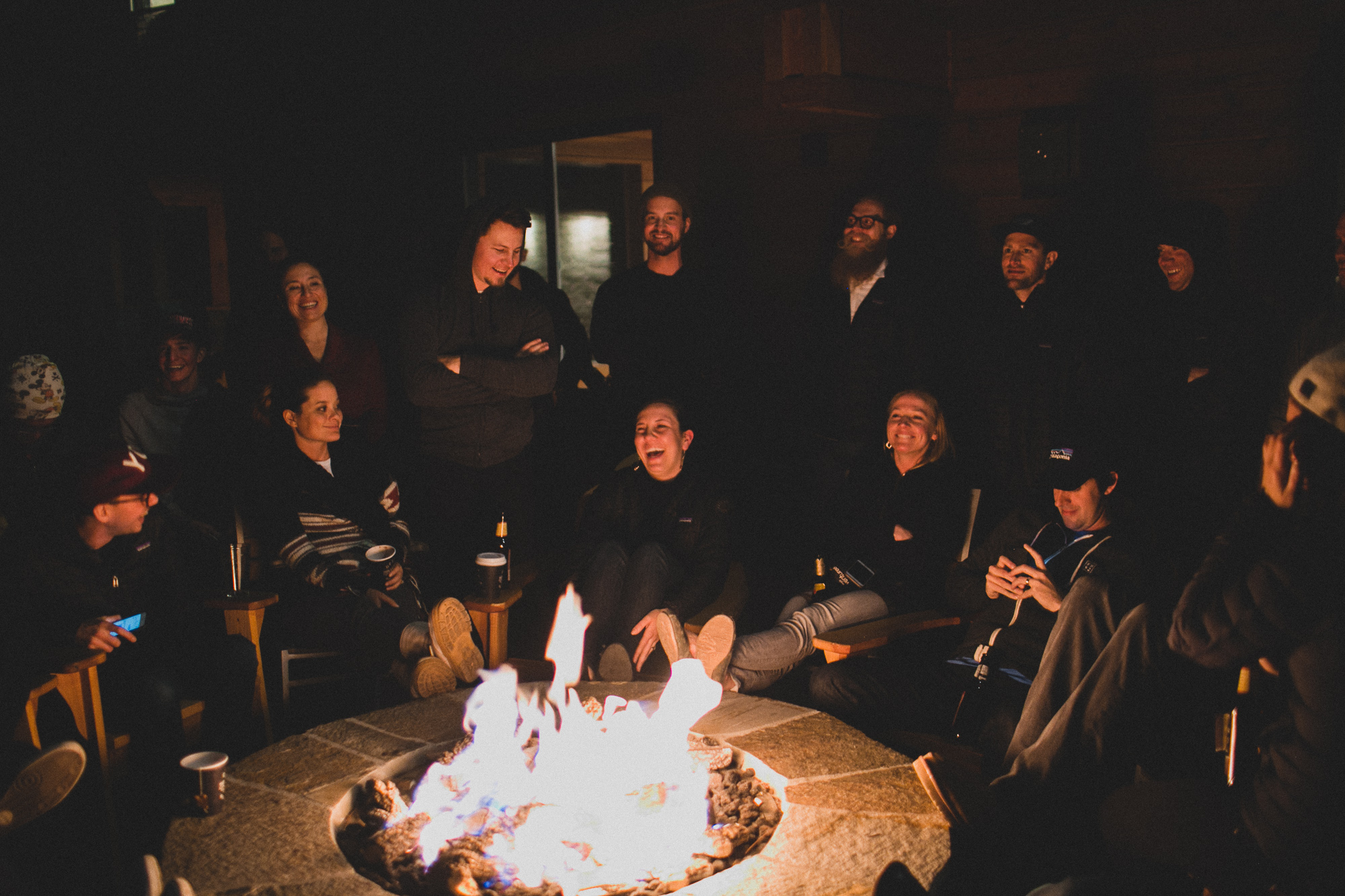 This casual chat around the fire was perhaps one of the most memorable and comical moments of the event. Photo: Rico Castillero