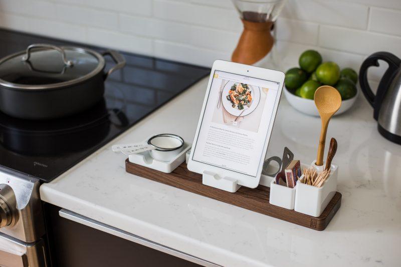 minimalist design kitchen organizer