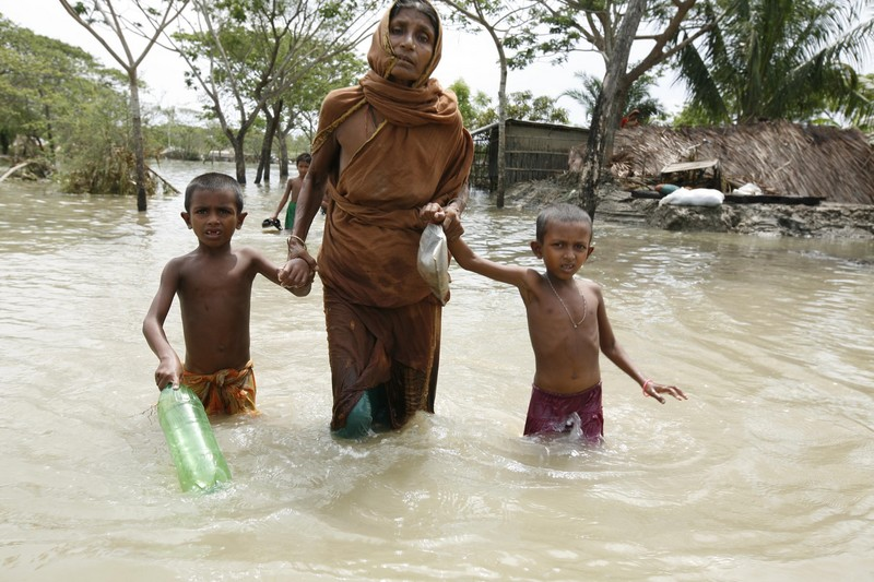 Flood waters swamped Gabura in Bangladesh after Cyclone Aila hit. Photo by EPA/Abir Abdullah
