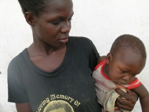A mother and child from Dumasi. Photo: Sarah Peck / Oxfam America
