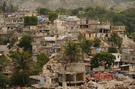 In May, rubble clogged the steep hillsides of Port-au-Prince. Photo by Ami Vitale/Oxfam America