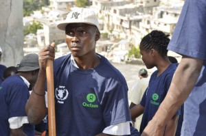 Clearing rubble in Carrefour Feuilles, Port-au-Prince. Photo by Chris Hufstader.