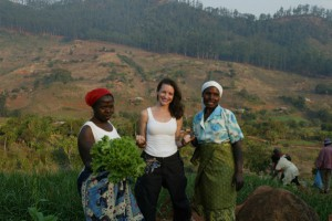Kristin Davis in Mozambique. Photo : Oxfam America.