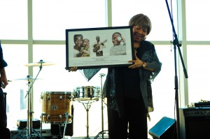 Iconic musician Mavis Staples accepts an award for her support of Oxfam at a concert in LA last month. Photo: Wendy Le