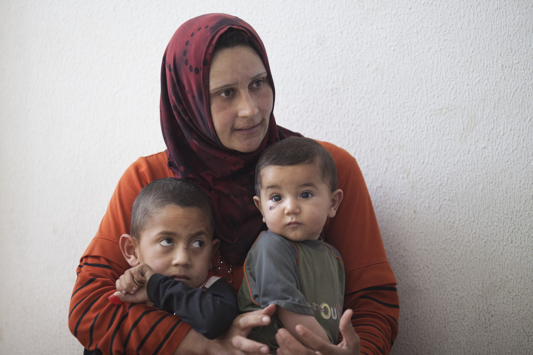 Amany Mohammad with her two sons. Photo: Sam Tarling/Oxfam