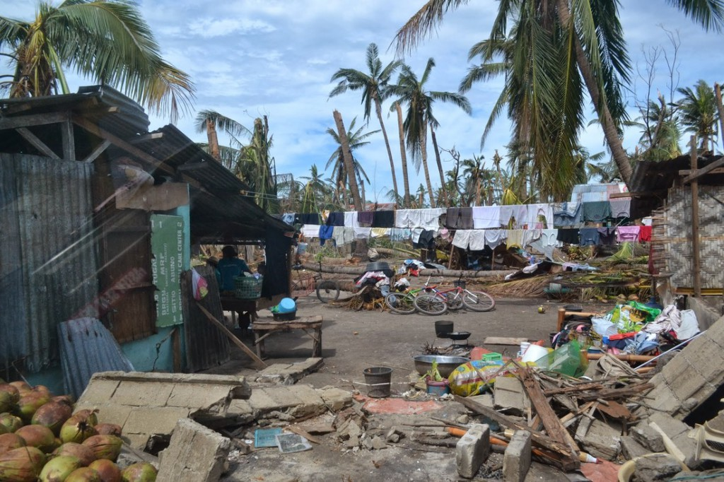 Damaged and destroyed houses on Bantayan Island, one of the areas hard hit by Typhoon Haiyan. Photo: Tata Abella-Bolo/Oxfam