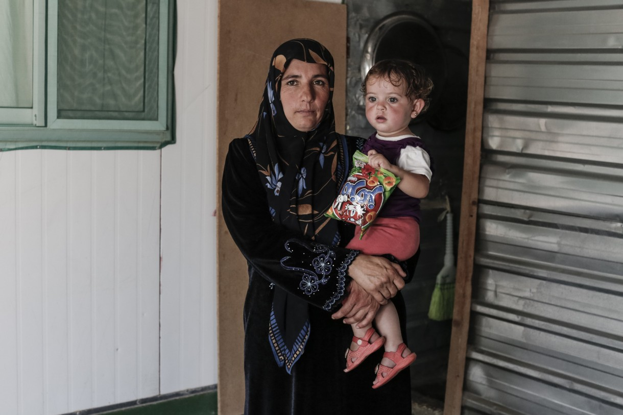 jordan-zaatari-mother-and-child-ogb94081lpr