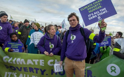 Oxfam supporters in Belgium put pressure on world leaders before Paris climate change meeting. Photo: Oxfam SOL.