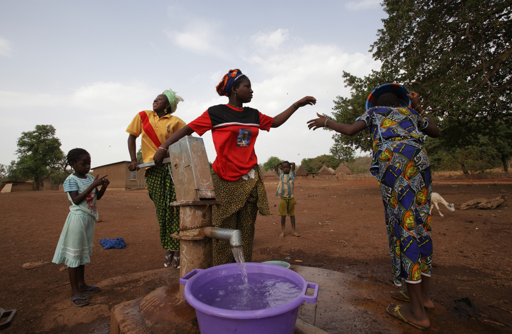 Six ways to fix up a well and get clean water | Oxfam