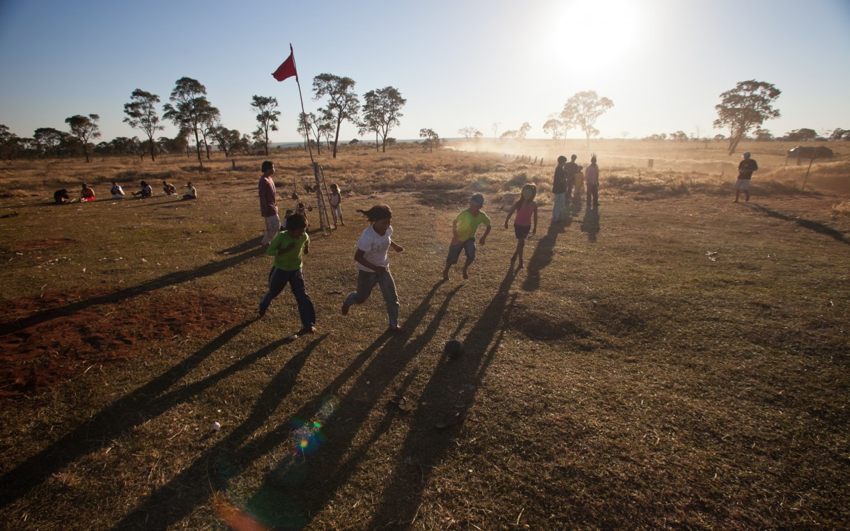 Children play soccer on the land of the Taquara, a group of indigenous people in Mato Grosso do Sul, Brazil. Photo:  Tatiana Cardeal/Oxfam
