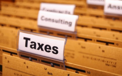 pic-taxes-file