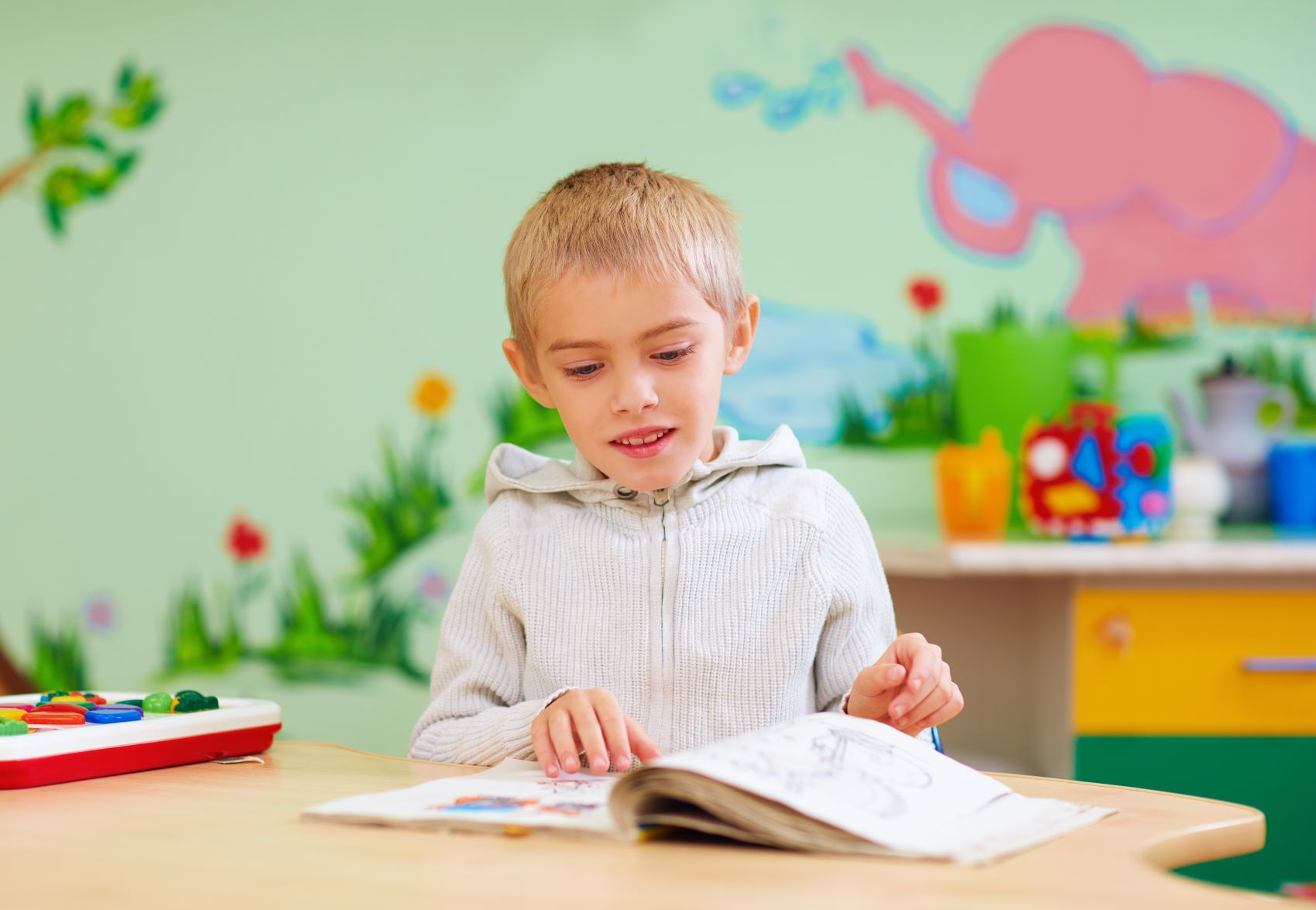 6 tips on teaching children with autism how to read