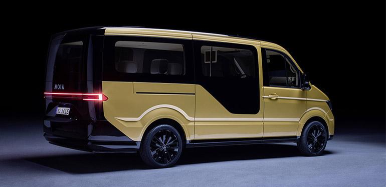 Camioneta eléctrica en colores amarillo y negro, desarrollada por MOIA de VW