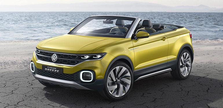 T-Cross amarillo de Volkswagen estacionado cerca de la playa