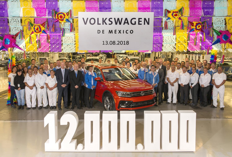 Vehículo número 12,000,000 de Volkswagen en México