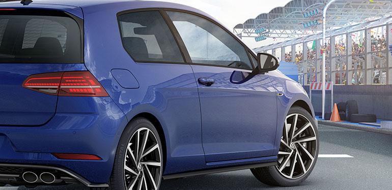 Vista lateral del auto deportivo Golf R de Volkswagen