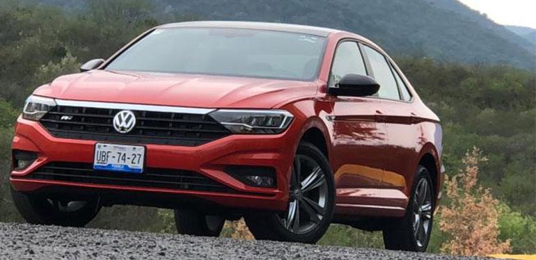 Auto deportivo Jetta R-Line de Volkswagen