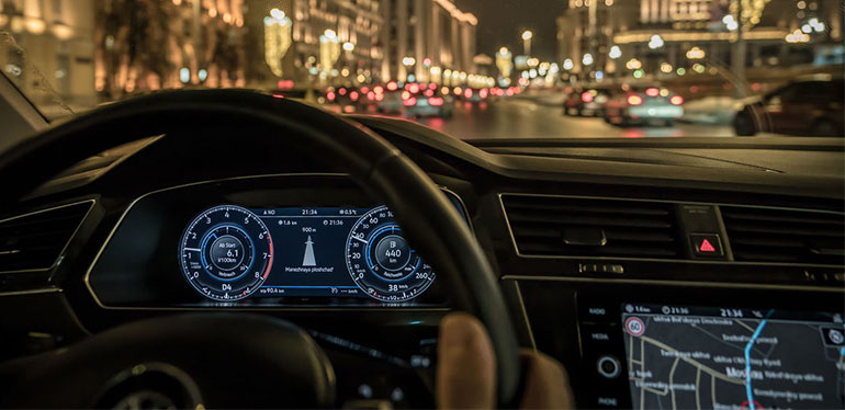 Conducir Volkswagen Tiguan de noche