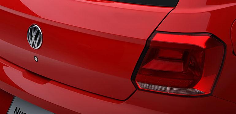 Logo de Volkswagen en la cajuela de Nuevo Gol