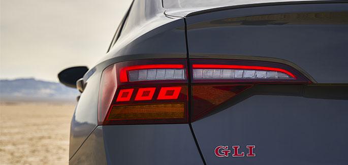 Faros con luces led traseros presentes en el nuevo Jetta GLI, el auto deportivo de Volkswagen