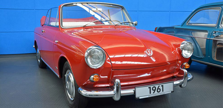 Cabrio Type 3 auto clásico de Volkswagen de 1961