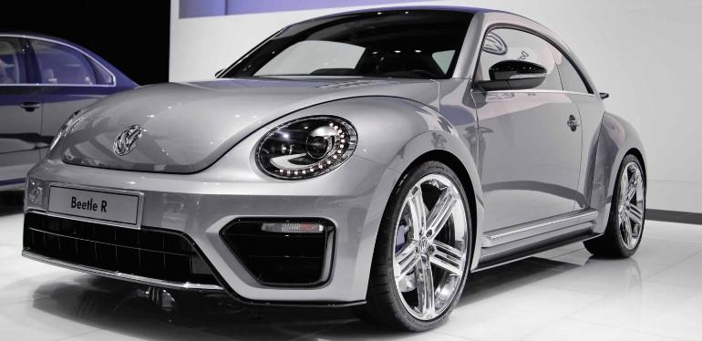 Beetle edicion especial R Concept color plateado estacionado en interior