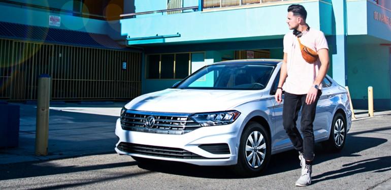 Auto deportivo Passat de Volkswagen asegurado con Servicios Financieros de Volkswagen