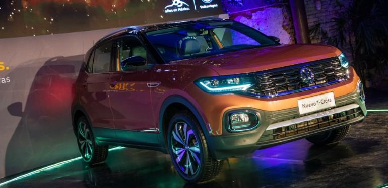 Nuevo T-Cross Volkswagen, el SUV que ofrece seguridad por su plataforma MQB en color bronce namibia