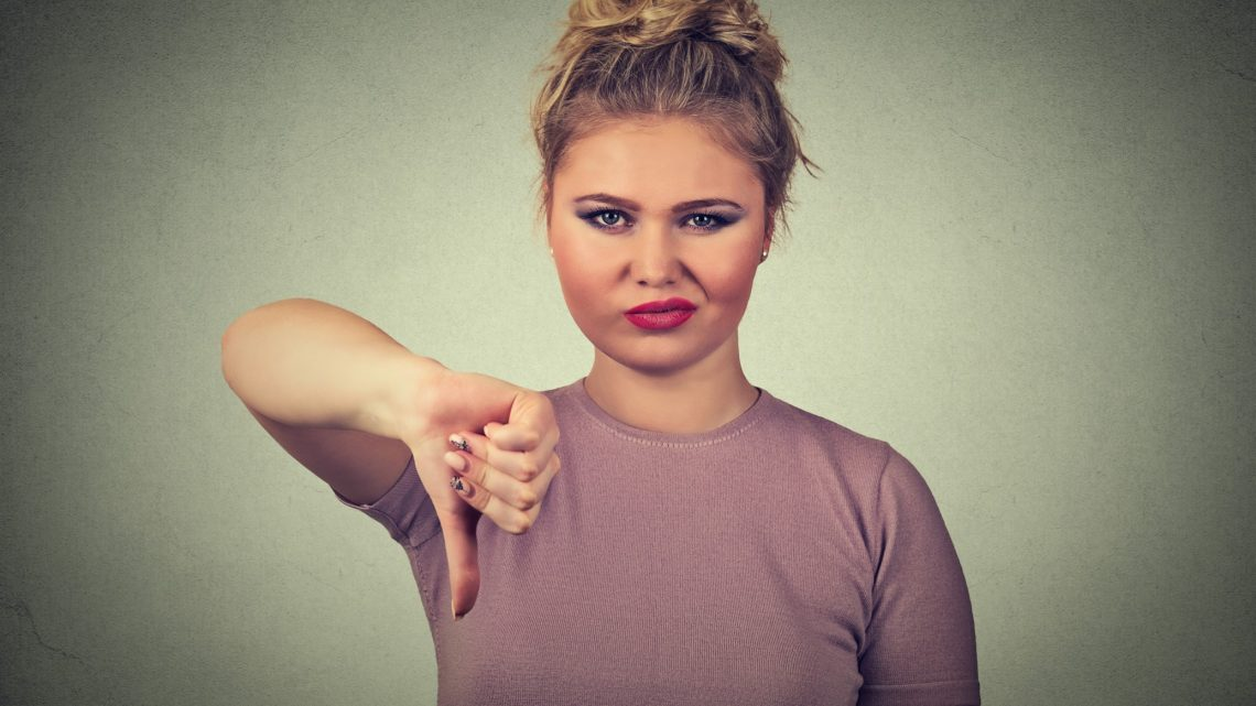 how to respond to negative feedback from a customer