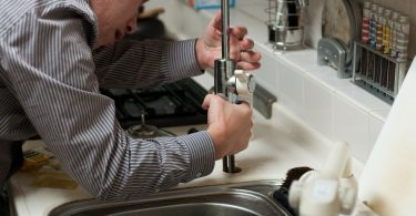 Social media marketing strategies for plumbing business