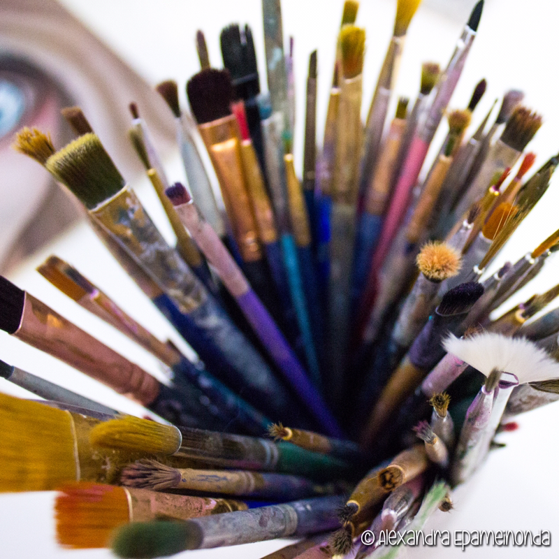 Arts and crafts paint brushes