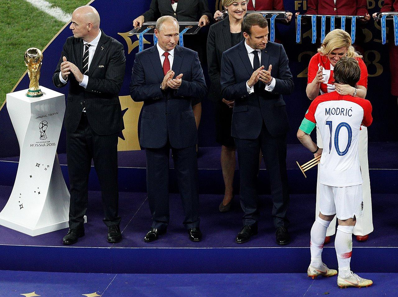 Modric deixa para trás Messi, CR7, Neymar e é eleito craque da Copa da Rússia