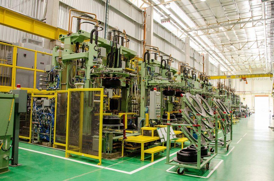 Interior da fábrica da Sumitomo Rubber do Brasil/Dunlop. Foto: Divulgação