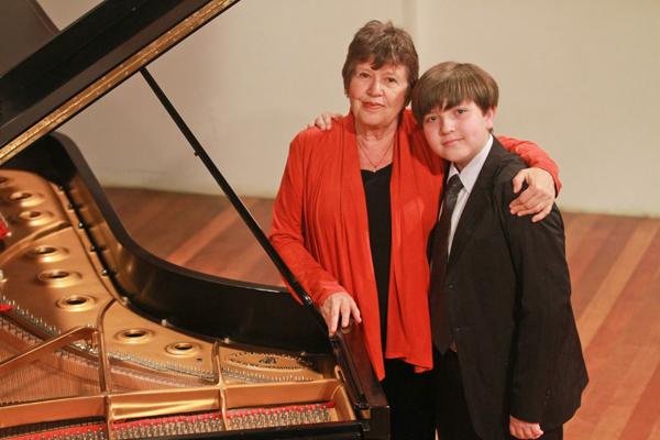 Olga Kiun e seu discípulo Estefan Iatcekiw. Diversas gerações a serviço da grande arte