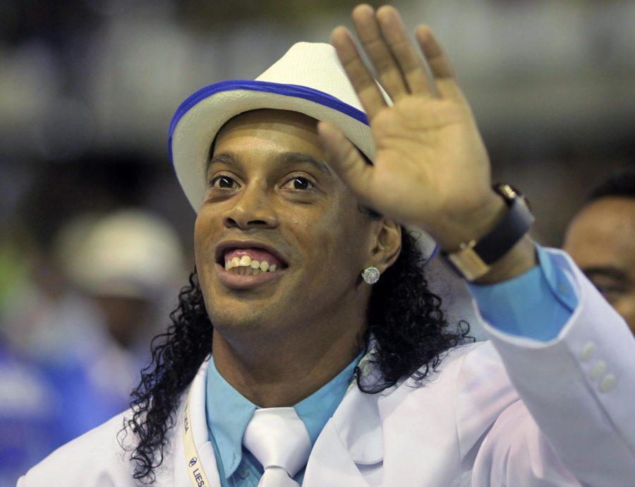Ronaldinho Gaúcho pode se candidatar ao Senado em 2018.