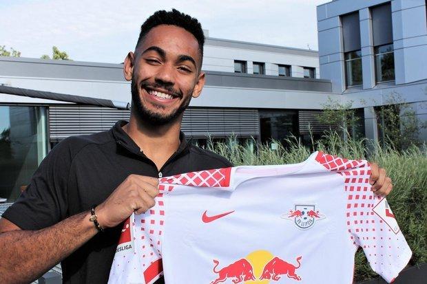 Matheus Cunha, 19 anos, começou no Coritiba e agora vai defender o RB Leipzig, da Alemanha.